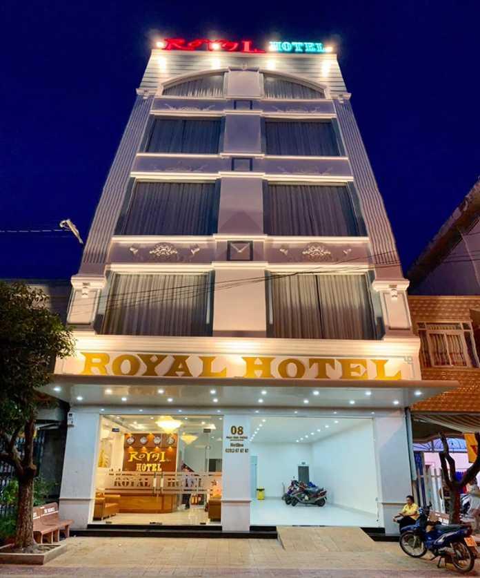 khách sạn Royal Tuyển Dụng
